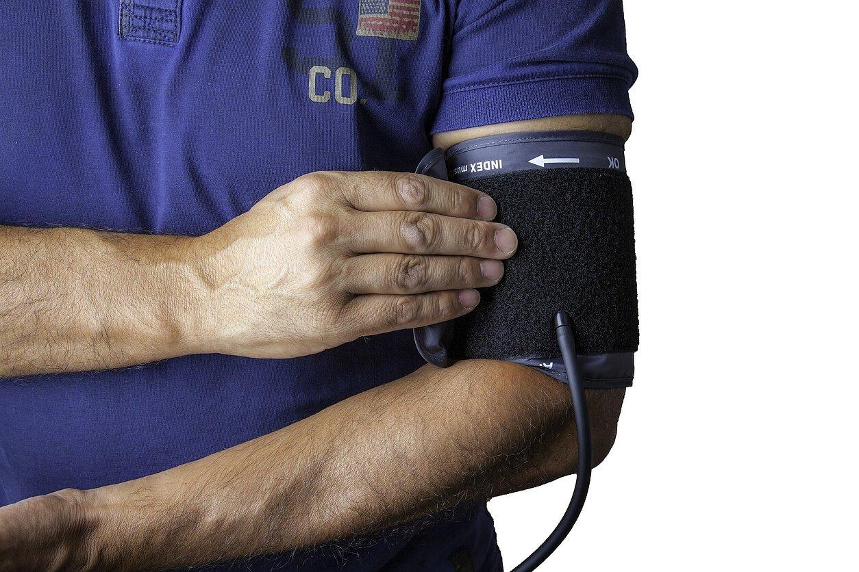 hipertenzija sukelia aukštą viršutinę pasveikimas po hipertenzijos