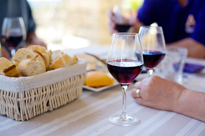 baltojo vyno ir širdies sveikata hipertenzijos galvos masažas