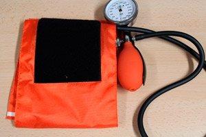 masažuos hipertenziją