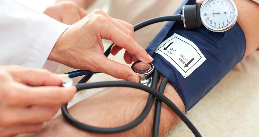 kas yra smegenų hipertenzija su hipertenzija, dusuliu