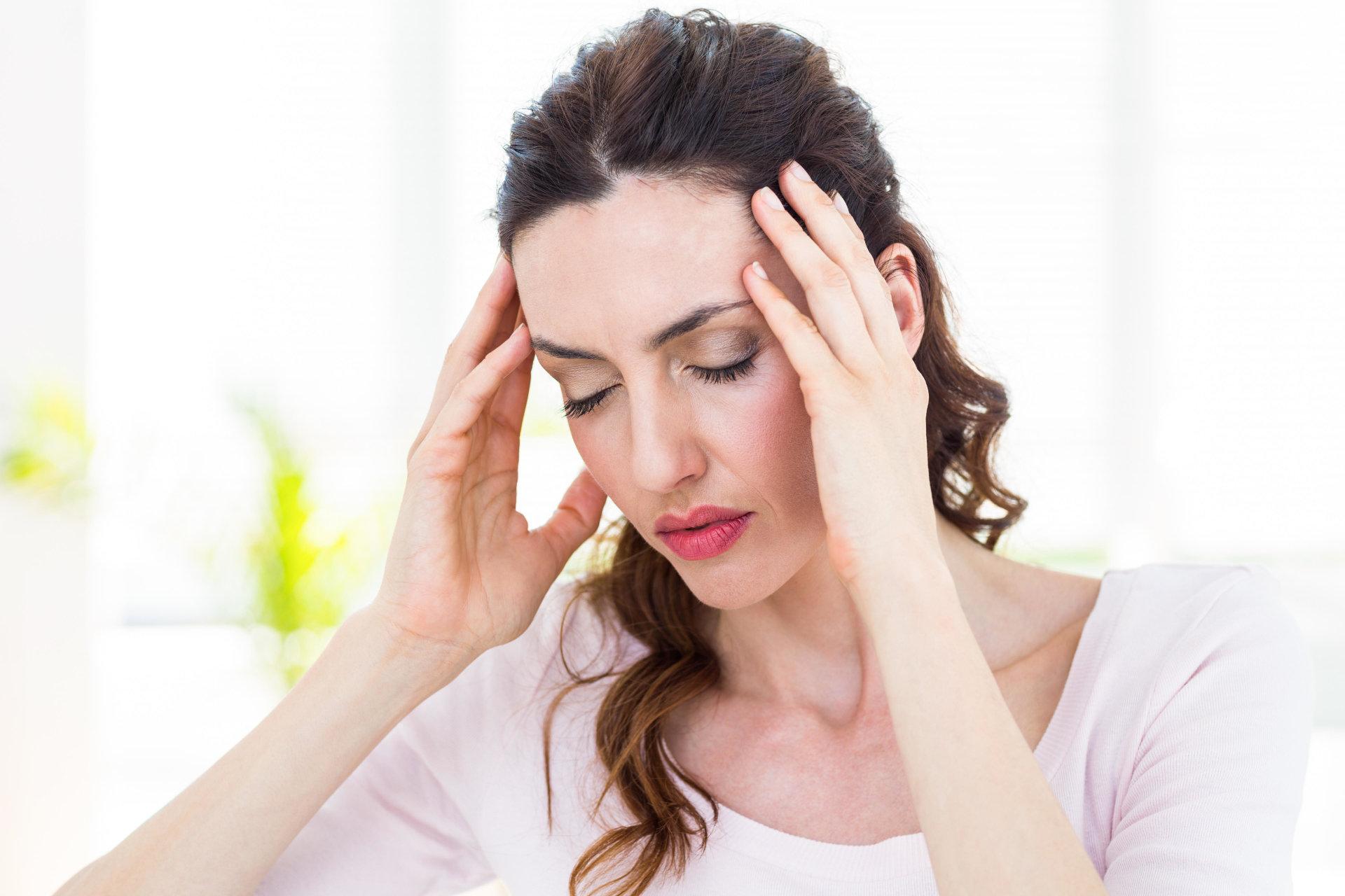 malšinti galvos skausmą esant hipertenzijai
