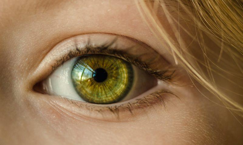 Akys gali įspėti apie artėjantį insultą
